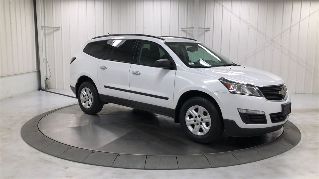 Pre Owned 2016 Chevrolet Traverse Ls Fwd 4d Sport Utility