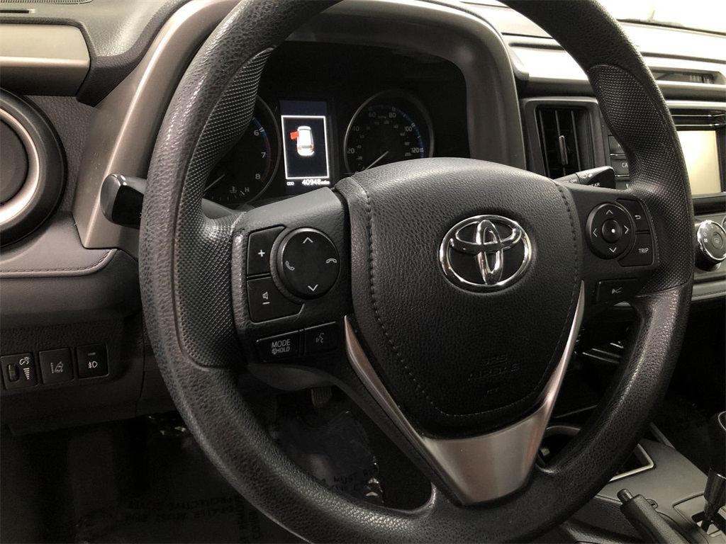 Pre-Owned 2018 Toyota RAV4 LE 4D Sport Utility in Paris ...