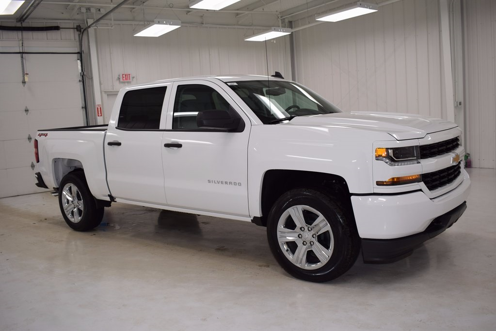 New 2018 Chevrolet Silverado 1500 Custom 4d Crew Cab In
